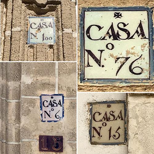 Rótulos cerámicos de numeración de caserío del S. XVIII