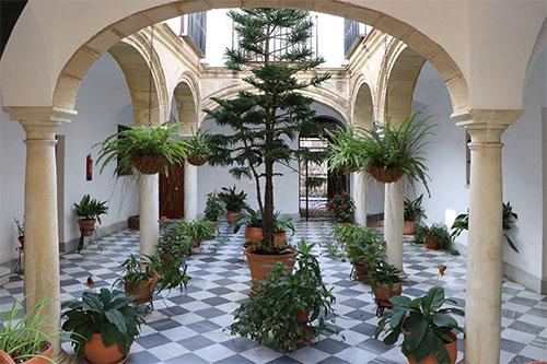 Patio del palacio de Villete